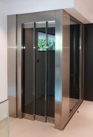 Raloe – Ascenseur intérieur structure vitrée