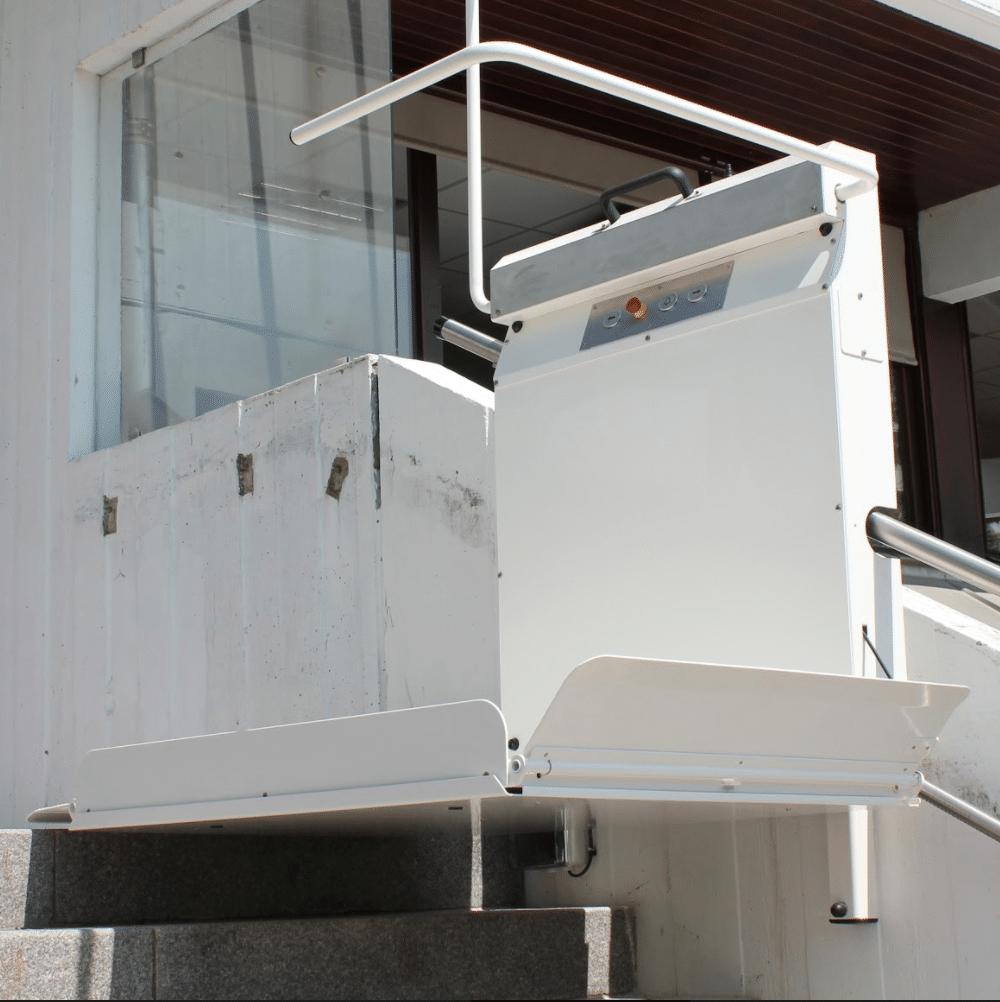 Plateforme GTL20 escalier droit