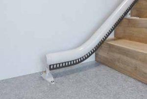 Monte-escalier tournant avec rail à prolongement horizontal