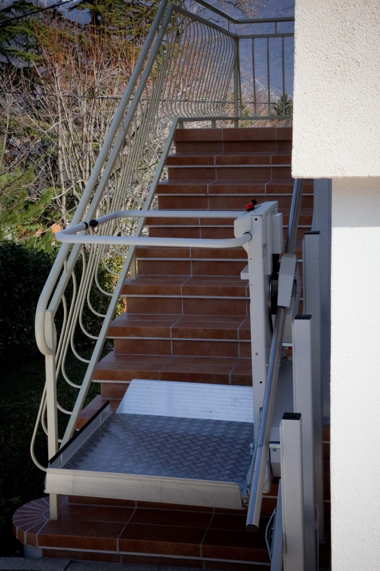 Plateforme d'escalier droit